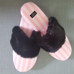 Victoria' secret slippers size medium